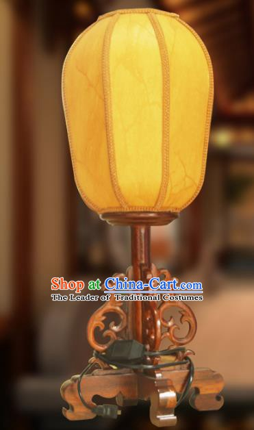 Traditional Chinese Handmade Yellow Sheepskin Lantern Classical Palace Lantern China Table Palace Lamp