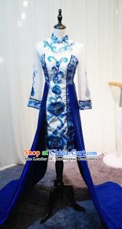 Chinese Style Wedding Catwalks Costume Wedding Bride Embroidered Full Dress Compere Cheongsam for Women