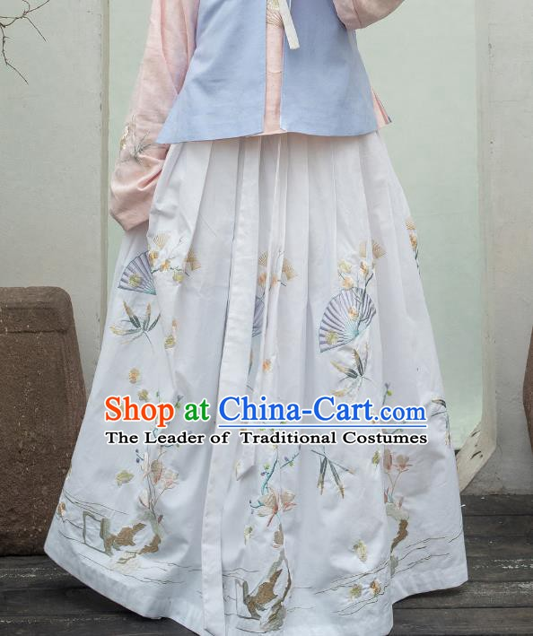 Traditional Chinese Ancient Ming Dynasty Princess Costume Embroidered White Skirt for Women