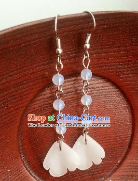 Traditional Chinese Handmade Classical White Eardrop Ancient Palace Queen Hanfu Earrings for Women