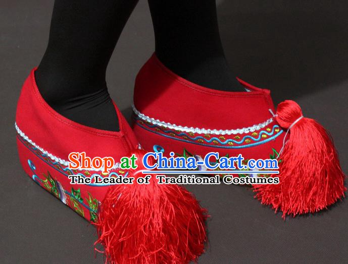 Traditional China Beijing Opera Actress Embroidery Red Shoes, Chinese Peking Opera Young Lady Blood Stained Shoes
