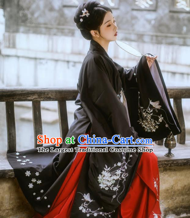 Chinese Ancient Ming Dynasty Countess Black Costumes Embroidered Hanfu Dress for Women