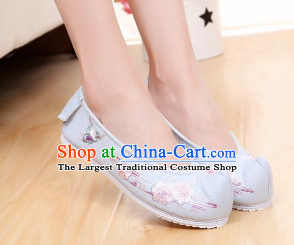 Chinese Ancient Traditional Embroidered Shoes Hanfu Embroidery Peach Blossom Blue Cloth Shoes for Women