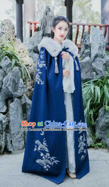 Traditional Chinese Ancient Han Dynasty Swordswoman Embroidered Navy Cloak for Women