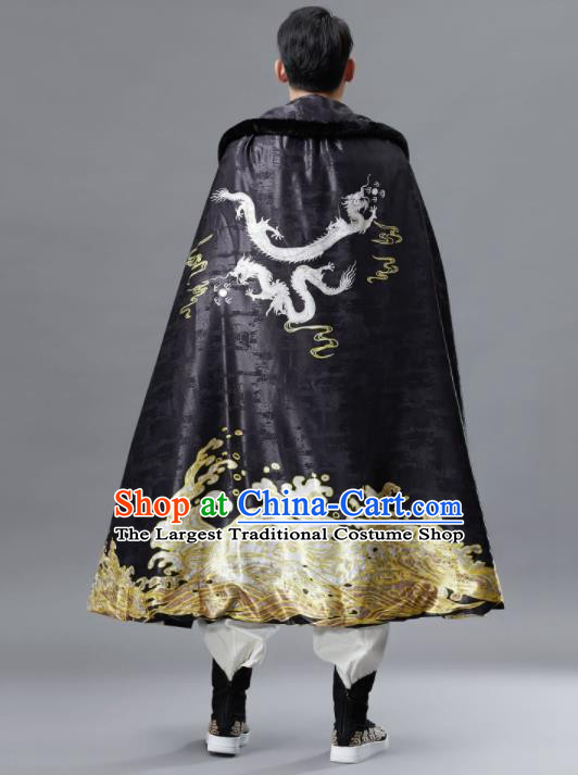 Chinese Traditional Ancient Swordsman Embroidered Costumes Black Cloak for Men