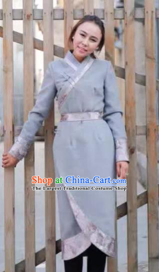 Chinese Mongol Minority Ethnic Costume Traditional Mongolian Grey Woolen Coat for Women