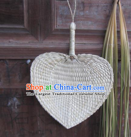 Chinese Traditional Handmade Straw Braid Craft Cattail Leaf Fan