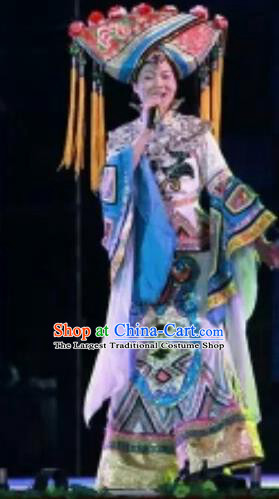 Chinese Traditional Zhuang Nationality Costumes Zhuang Ethnic Folk Dance Dress and Hat for Women