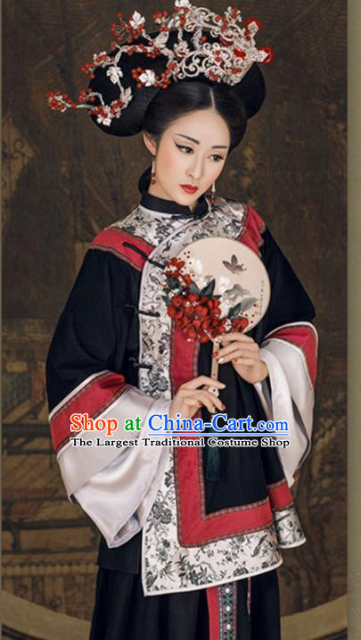 Chinese Traditional Qing Dynasty Nobility Lady Clothing Ancient Contessa Embroidered Costumes and Headpiece for Women