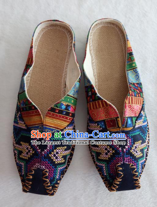 Chinese Traditional Handmade Embroidered Shoes Navy Cloth Slippers for Women
