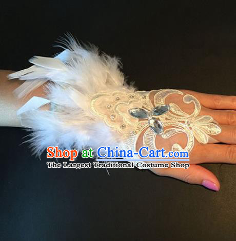 Top Grade Halloween Catwalks Wristlet Accessories Brazilian Carnival White Feather Bracelet for Women