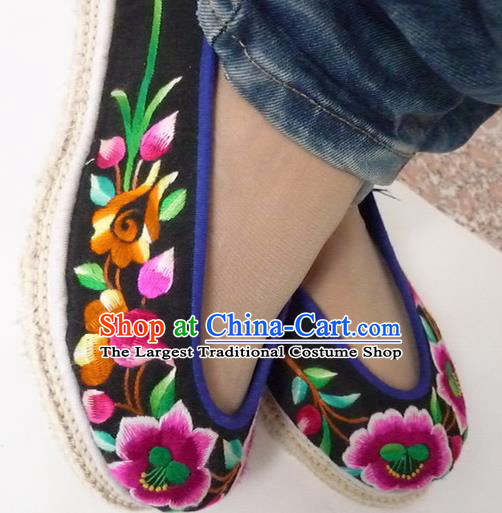 Chinese Traditional Hanfu Shoes Ancient Princess Black Embroidered Shoes Handmade Shoes for Women