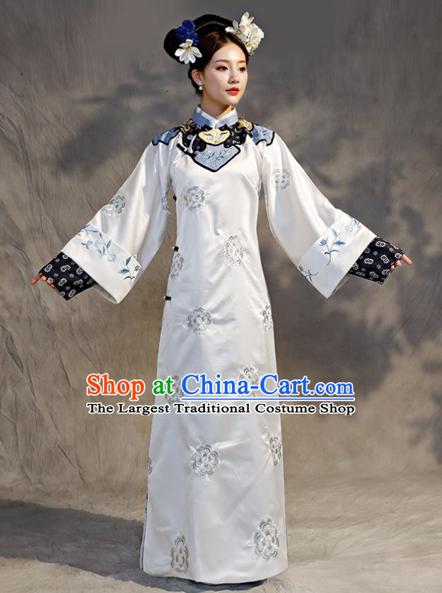 Chinese Ancient Drama Qing Dynasty Manchu Imperial Consort Embroidered Costumes for Women