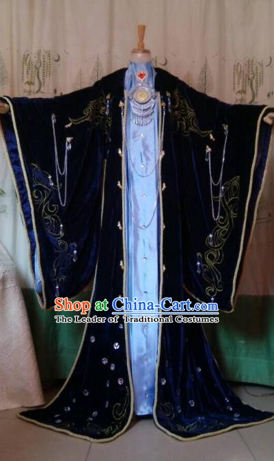 Traditional China Ancient Cosplay Swordsman Queen Costume Fancy Embroidered Dress for Women
