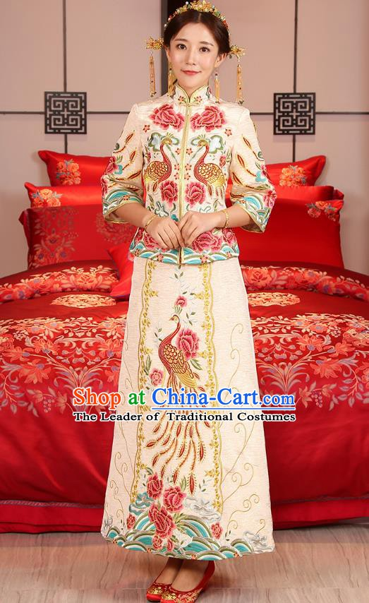 Traditional Ancient Chinese Wedding Costume, China Xiuhe Suits Bride Slim Embroidered Yellow Cheongsam Clothing for Women