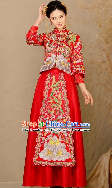 Traditional Chinese Wedding Costume Xiuhe Suit Ancient Bride Embroidered Peony Cheongsam for Women