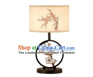 Traditional China Ancient Carving Plum Blossom Desk Lanterns Handmade Lantern Ancient Lamp
