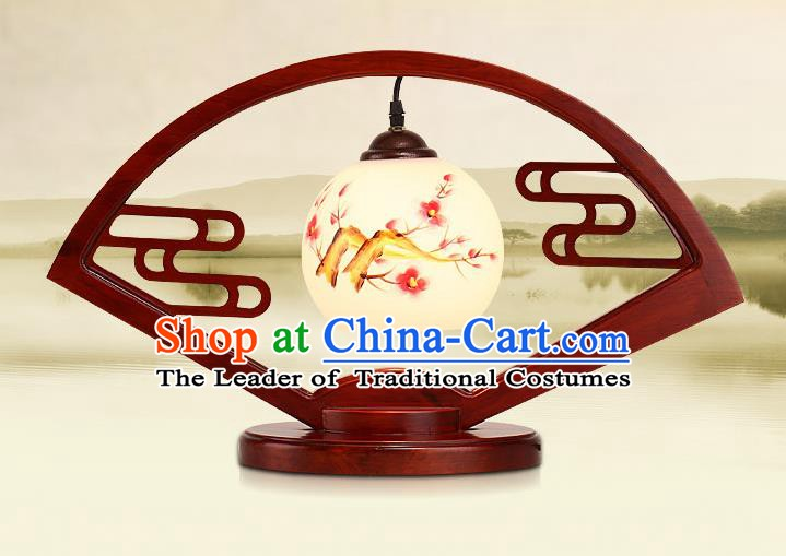 Traditional China Ancient Wood Fans Lanterns Handmade Painting Plum Blossom Table Lantern Ancient Lamp