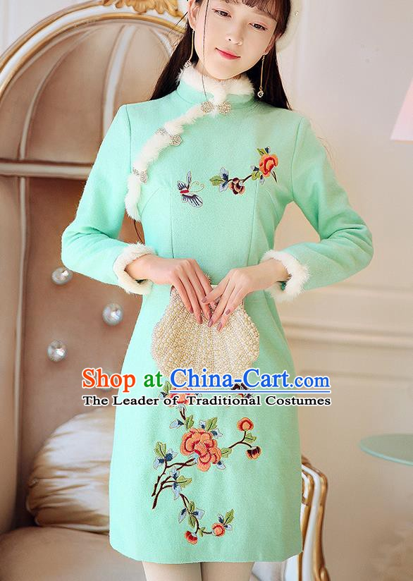 Traditional Chinese National Tangsuit Embroidered Green Qipao Dress Cheongsam Clothing for Women