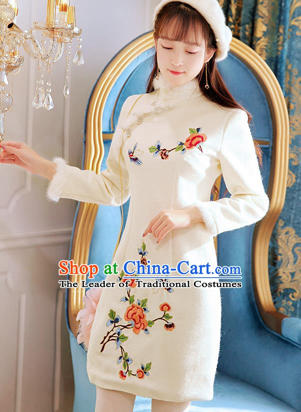 Traditional Chinese National Tangsuit Embroidered White Qipao Dress Cheongsam Clothing for Women