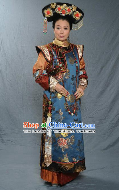 Chinese Qing Dynasty Manchu Empress Dowager of Kangxi Historical Costume Ancient Palace Lady Clothing for Women