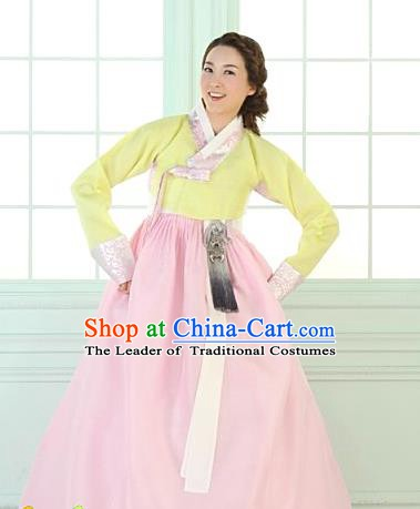 Korean Traditional Palace Garment Hanbok Fashion Apparel Costume Bride Yellow Blouse and Pink Dress for Women