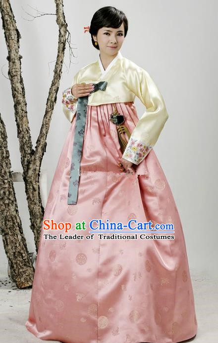 Korean Traditional Handmade Palace Hanbok Yellow Blouse and Pink Dress Fashion Apparel Bride Costumes for Women