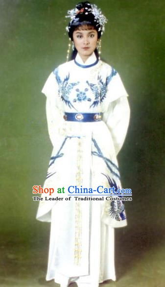 Ancient Chinese Ming Dynasty Princess Changping Embroidered Historical Costume Palace Replica Costume for Women