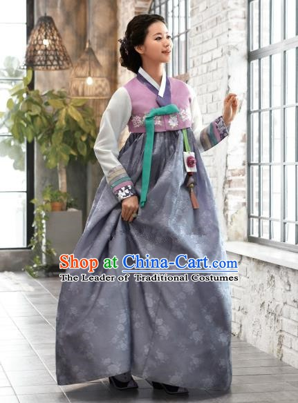 Korean Traditional Bride Hanbok Pink Blouse and Grey Embroidered Dress Ancient Formal Occasions Fashion Apparel Costumes for Women