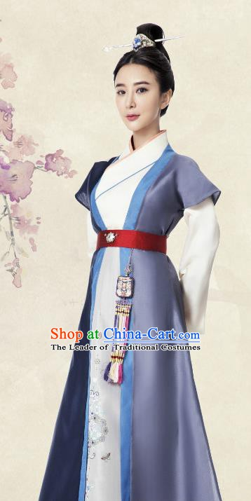 Ancient Chinese Ming Dynasty Embroidered Dress Swordswoman Replica Costume for Women
