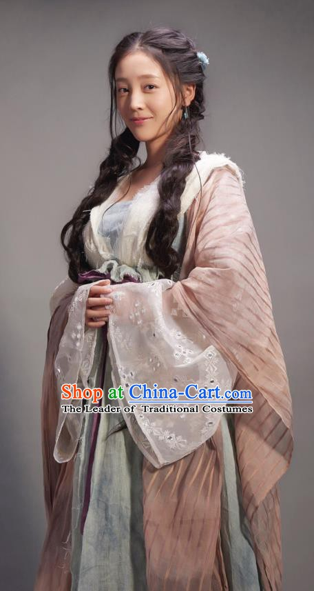 Chinese Ming Dynasty Swordswoman Traditional Dress Ancient Fairy Replica Costume for Women