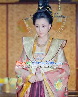 Chinese Song Dynasty Empress Wang of Zhao Kuangyin Embroidered Dress Ancient Queen Replica Costume for Women