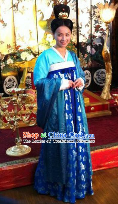 Chinese Ancient Tang Dynasty Palace Lady Wu Meiniang Embroidered Historical Costume for Women