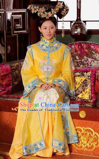 Chinese Ancient Kangxi Empress Historical Replica Costume China Qing Dynasty Manchu Queen Lady Embroidered Clothing
