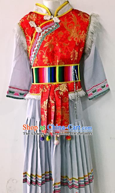 Traditional Chinese Bai Nationality Costume China Bai Ethnic Minority Embroidered Clothing for Women