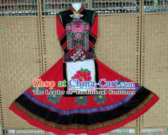 Traditional Chinese Yi Nationality Minority Embroidered Costume, Female Folk Dance Red Dress for Women
