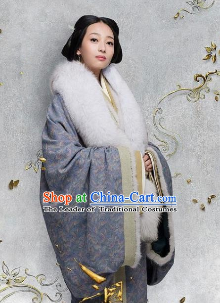 Chinese Ancient Eastern Han Dynasty Consort Dong Hanfu Dress Replica Costume for Women