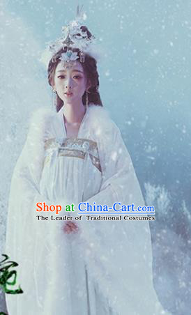 Chinese Ancient Imperial Concubine Hanfu Dress Traditional Tang Dynasty Imperial Consort Embroidered Costume and Hairpins for Women