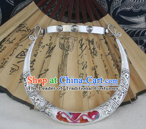 Chinese Miao Sliver Ornaments Carving Chinese Zodiac Necklace Traditional Hmong Embroidered Necklet for Women
