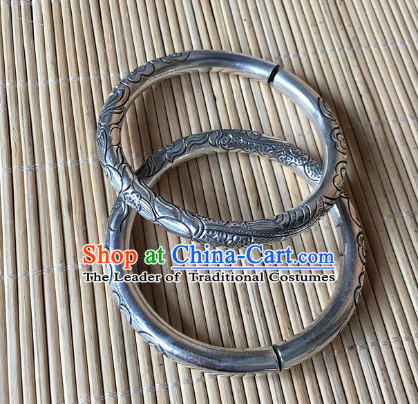 Handmade Chinese Miao Nationality Carving Lotus Seed Sliver Bracelet Traditional Hmong Bangle for Women
