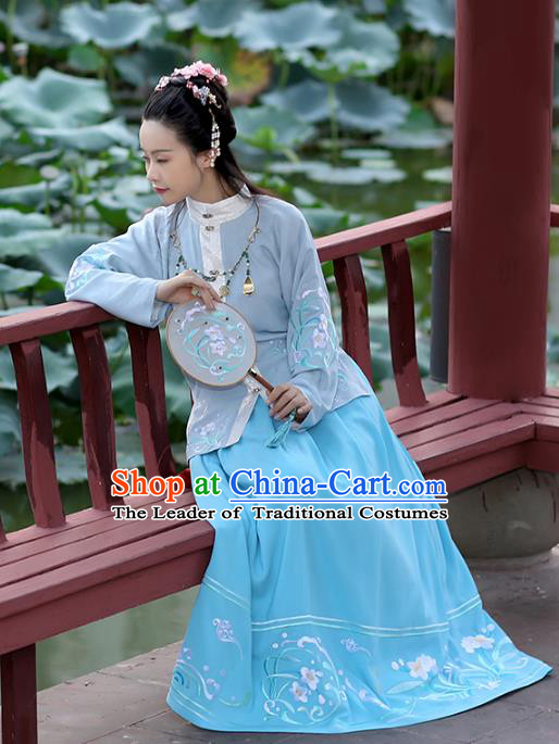 Chinese Ancient Hanfu Dress Ming Dynasty Princess Embroidered Costumes and Jewelry Accessories for Women