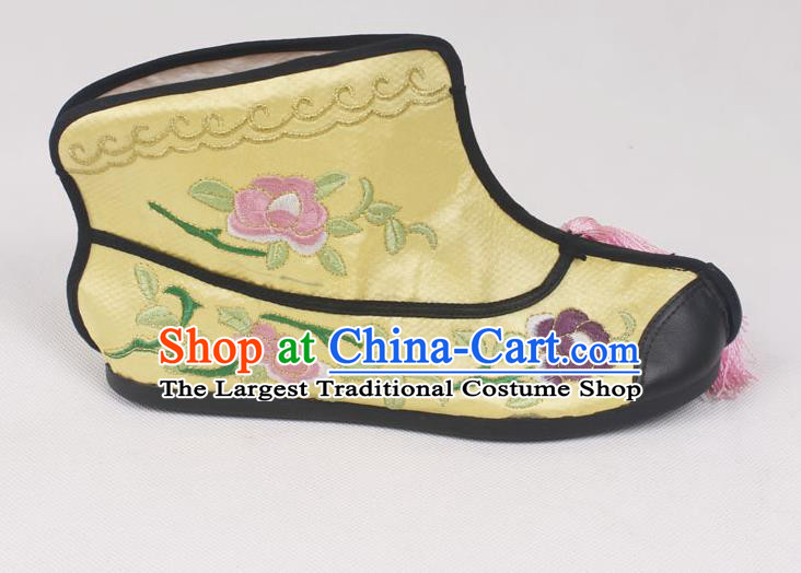 Chinese Traditional Beijing Opera Embroidered Boots Peking Opera Blues Yellow Cloth Shoes for Women