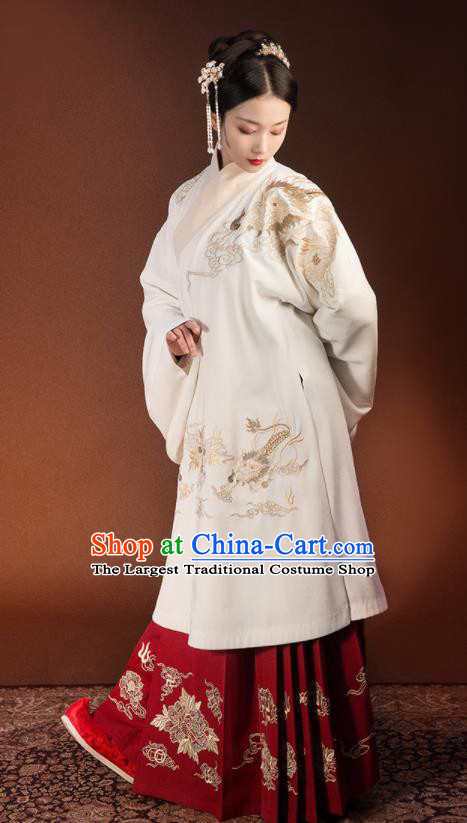 Traditional Chinese Ming Dynasty Embroidered Costumes Complete Set for Rich Women
