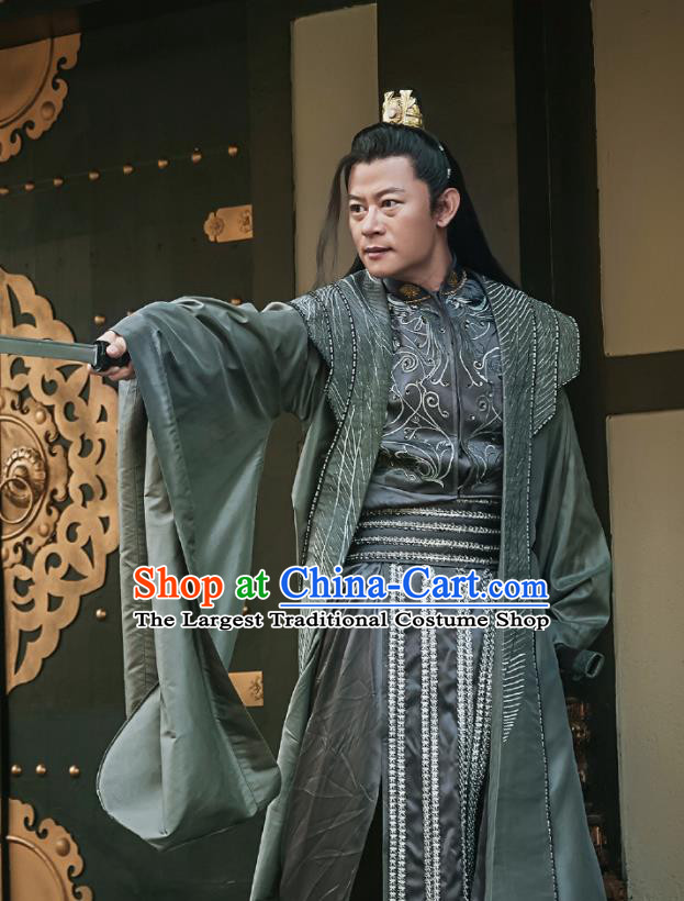 Chinese Ancient Nobility Childe Swordsman Embroidered Costumes for Men