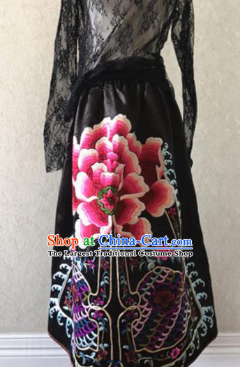 Traditional Chinese Handmade Embroidered Costume Tang Suit Embroidered Bust Skirt for Women