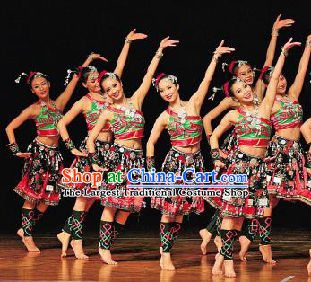 Chinese Traditional Dong Nationality Folk Dance Costumes Group Dance Stage Performance Clothing for Women