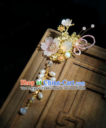 Traditional Chinese Handmade Court Plum Brooch Jewelry Accessories Ancient Princess Tassel Breastpin for Women