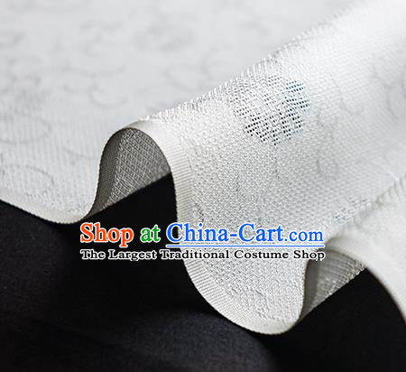 Traditional Chinese Classical Daisy Pattern Design White Silk Fabric Ancient Hanfu Dress Silk Cloth