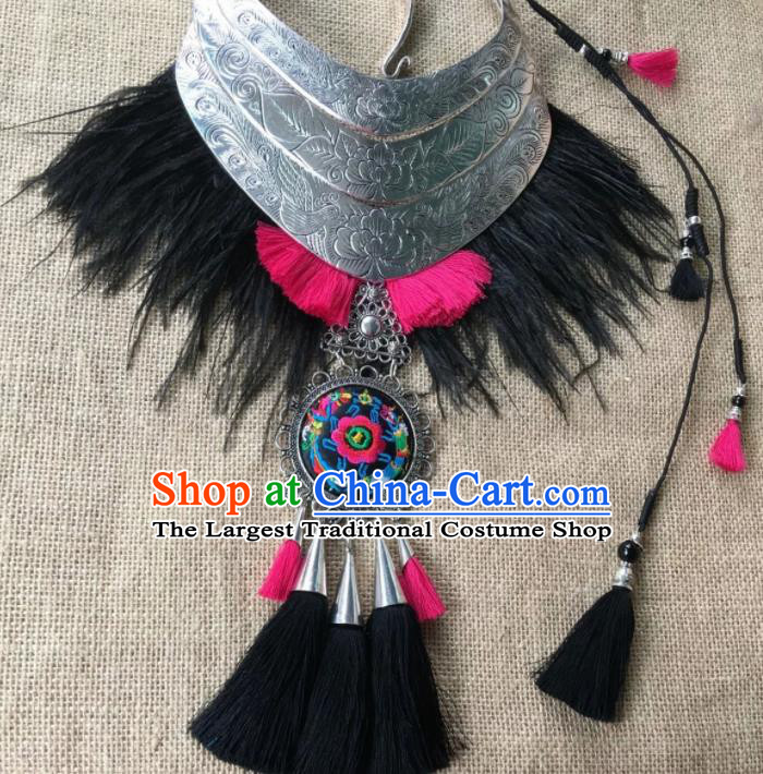 Chinese Traditional Ethnic Embroidered Necklace Accessories Nationality Silver Carving Phoenix Necklet for Women