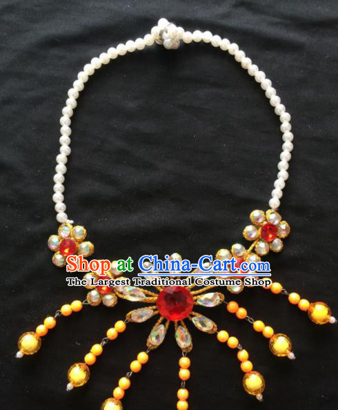Chinese Beijing Opera Diva Yellow Flowers Necklace Traditional Peking Opera Princess Necklet Accessories for Women